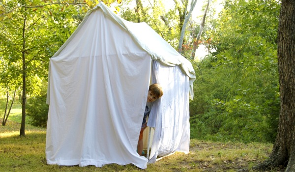 Make an outdoor tent using PVC pipes and sheets of fabric. & Craftionary