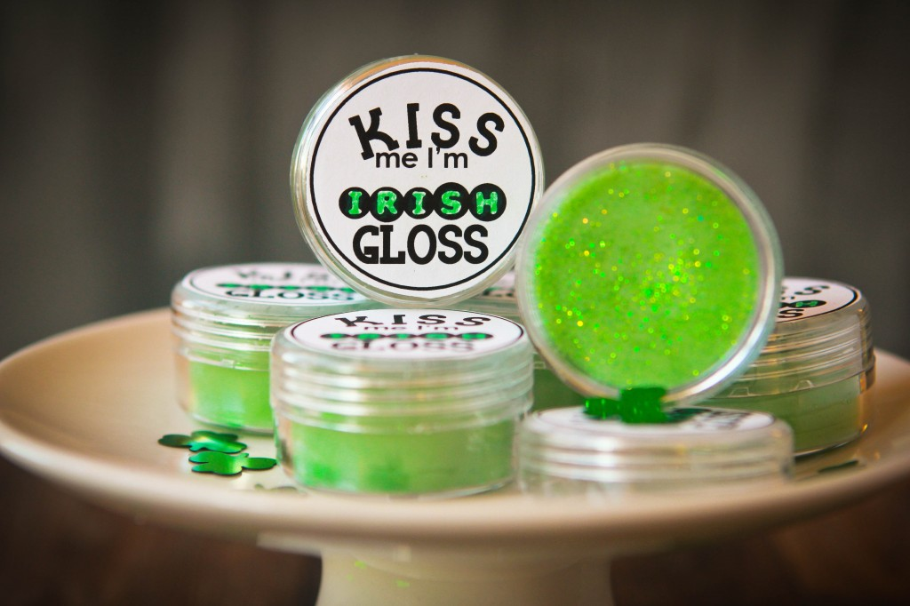 15 last minute st patricks day crafts craftionary glitter kiss me im irish gloss 1024x682