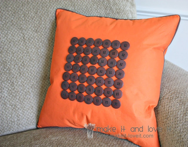 Make Easy Decorative Pillow Cover : Craftionary