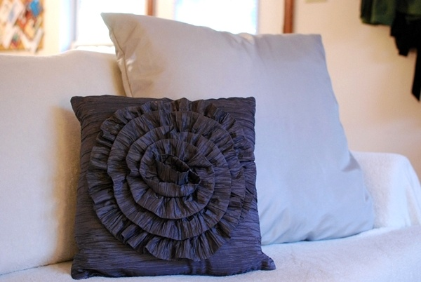 Homemade Pillow Cover Ideas: Craftionary,