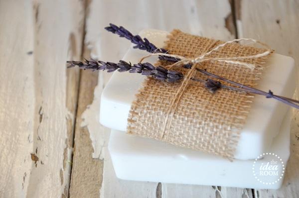 homemade gift DIY soaps