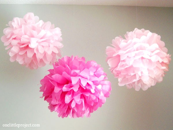 make tissue paper poms