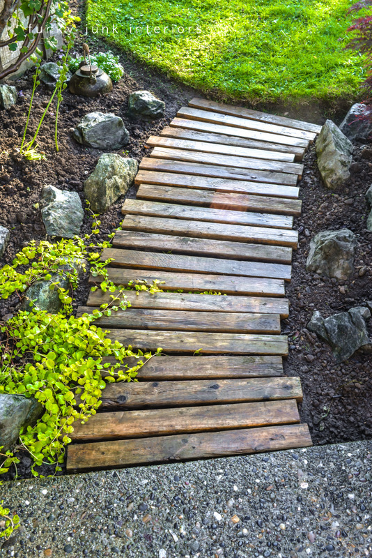 DIY pallet path way