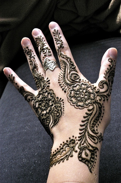 Flower Mehndi Designs For Back Hands : Craftionary