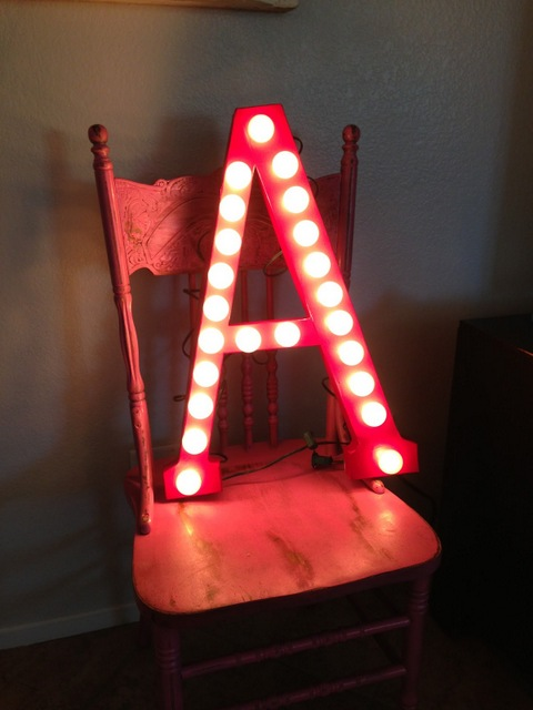 diy marquee light pallet
