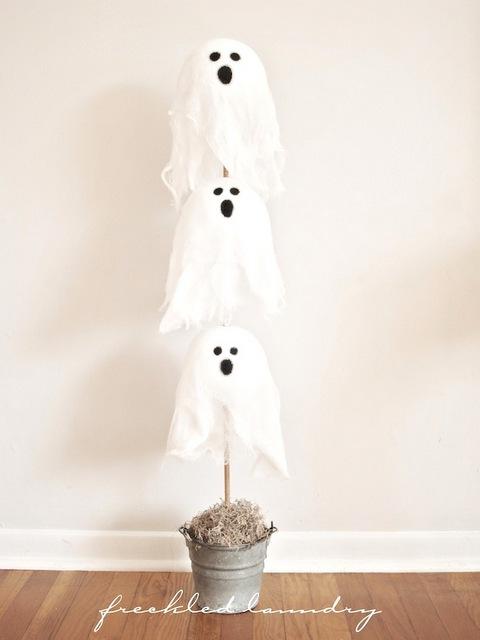 Ghost halloween topiary tutorial