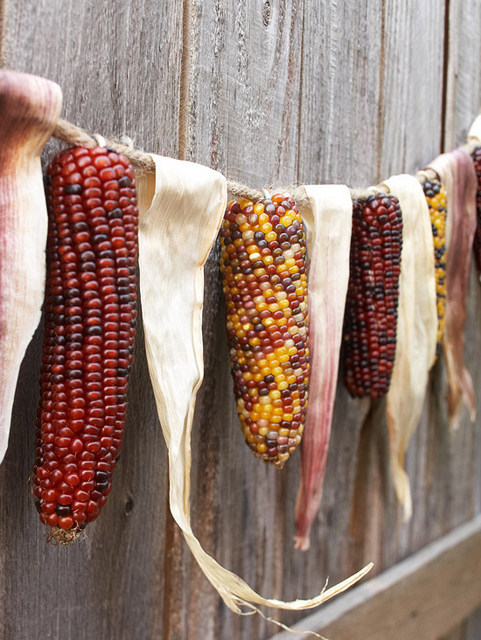 corn husk garland tutorial