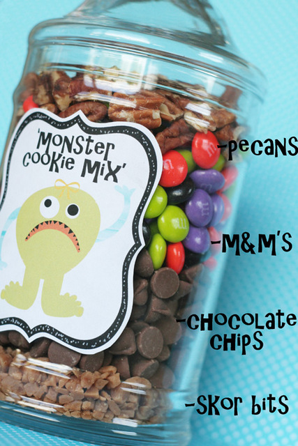 monster cookie mix in a jar