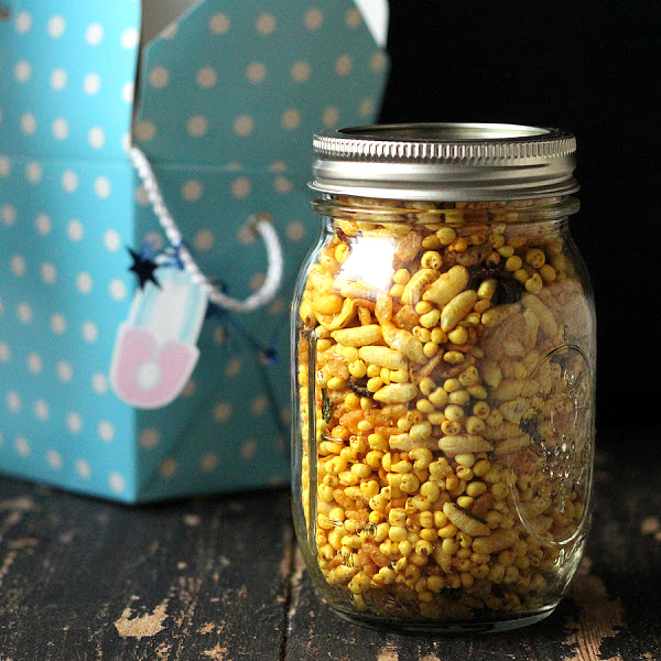 quinoa chivda trail mix