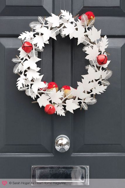 paper winter wreath