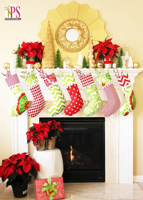 Christmas mantel red and gold