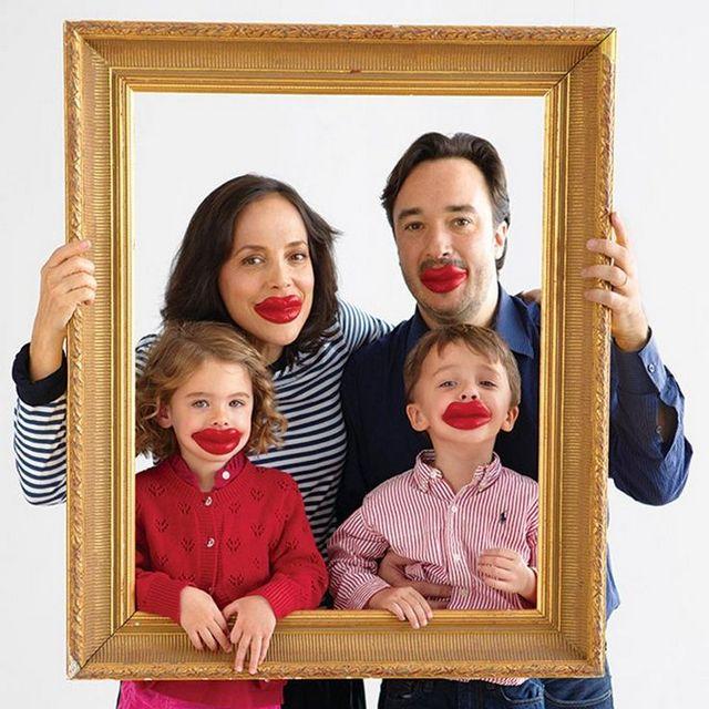 goofy family photo idea valentines day