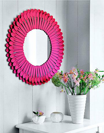 diy plastic spoons mirror