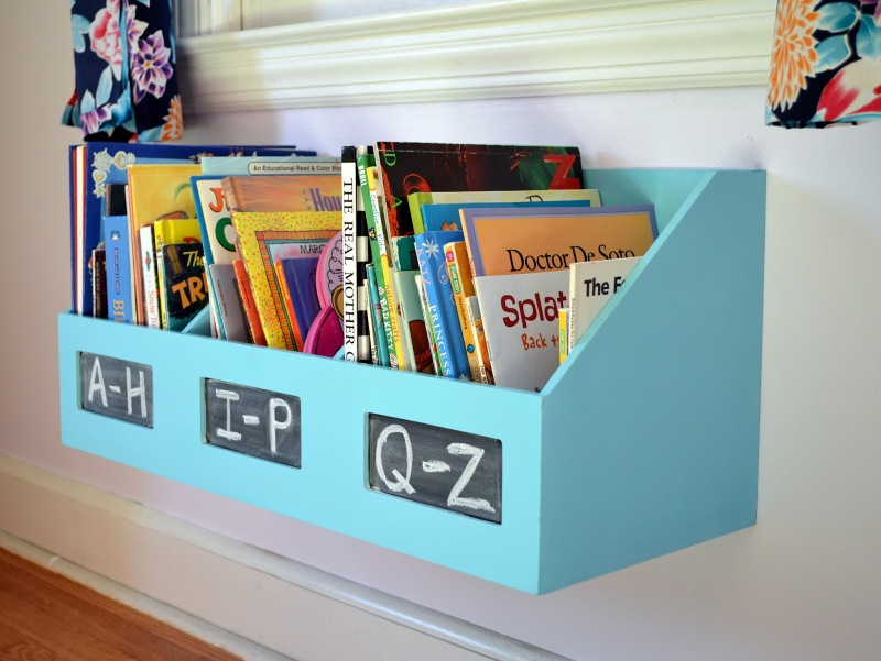 Kids DIY floating bookcase
