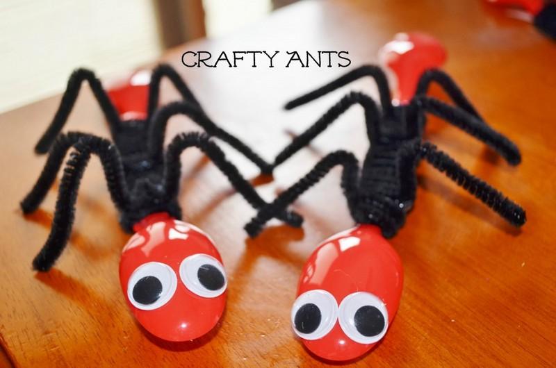 plastic spoon ants