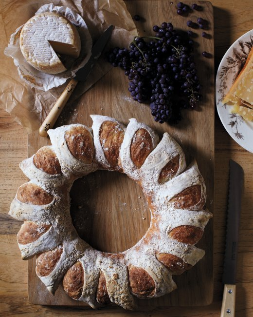 creative fall recipes - thanksgiving bread wreath