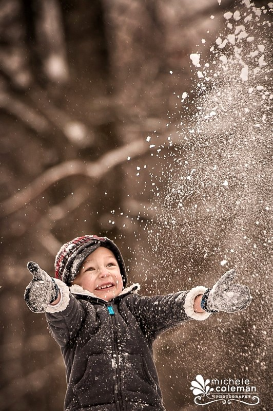 Kids Love Snowfall Photo Idea