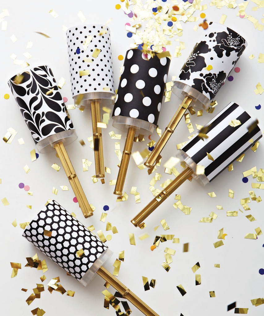 DIY New Year Eve confetti shakers