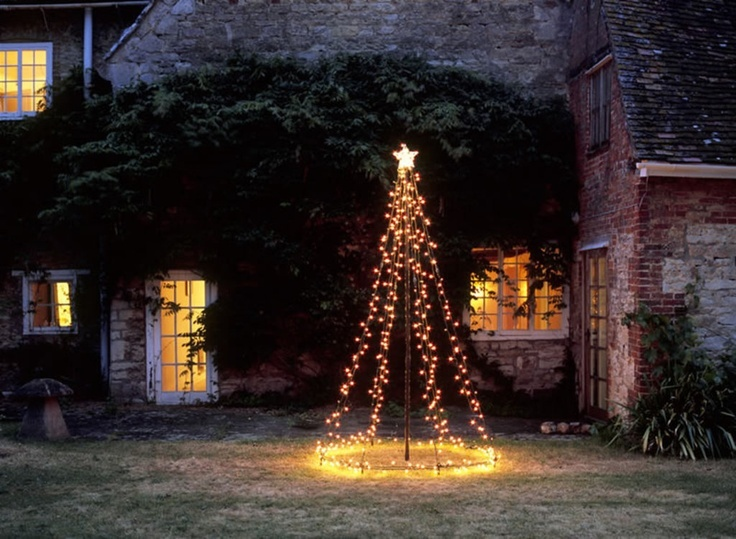 diy outdoor christmas tree using string lights - Christmas Tree With Lights And Decorations