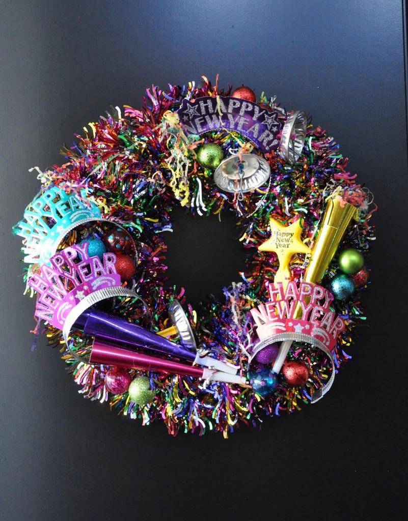 Glitter tinsel NYE wreath