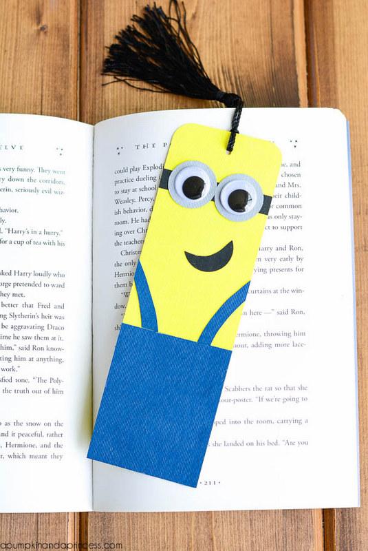 paper minions bookmark