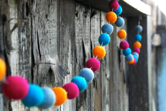 Easy Garland with Pom Pom