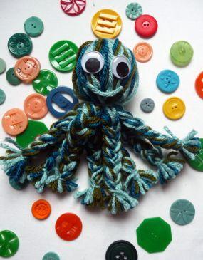 DIY yarn octopus