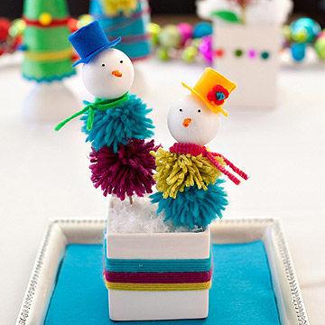 Pom pom winter snowman