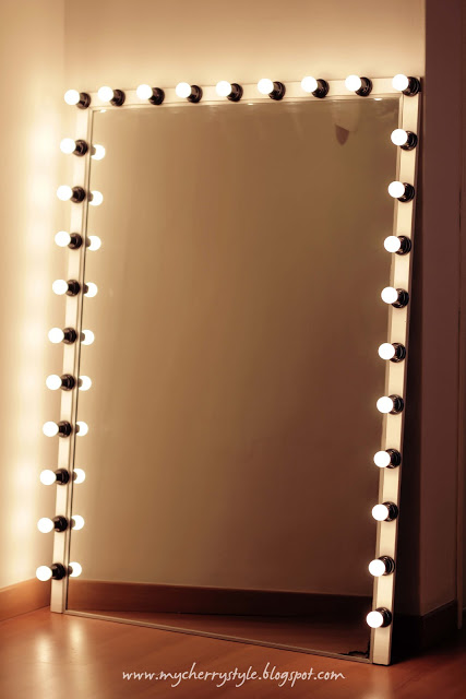 DIY hollywood mirror with lights