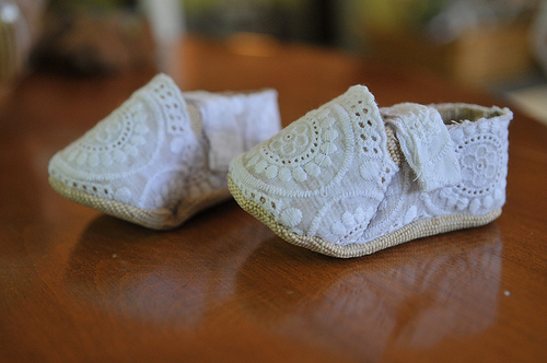 baby shoes making
