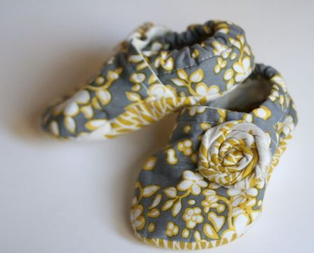 baby shoes fabric rosette