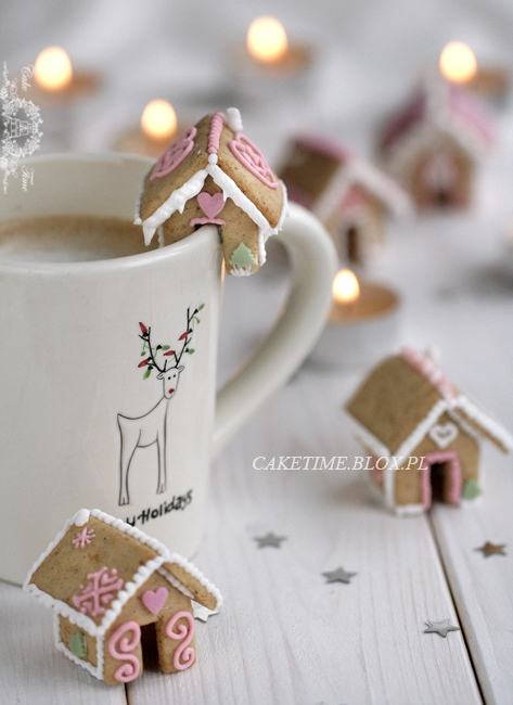 mini ginger bread houses