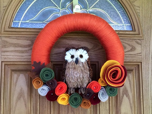 Fall owl yarn wreath