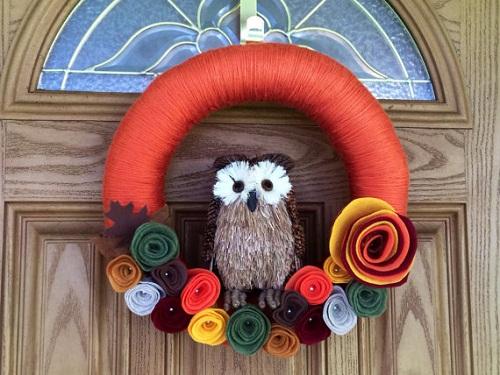 Fall owl yarn wreath